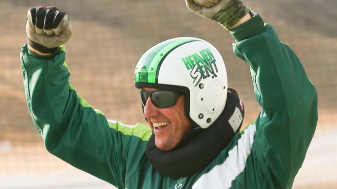 Giù da 7.620 metri senza paracadute a 193 Km/h, Daredevil Aikins record