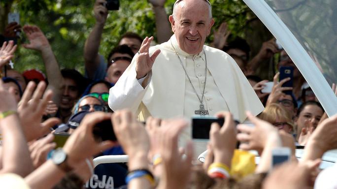 Due milioni giovani da Francesco, memoria Dio non è hard disk