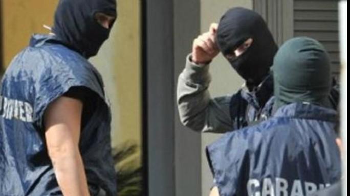 Terrorismo, espulso tunisino in contatto con foreign fighters