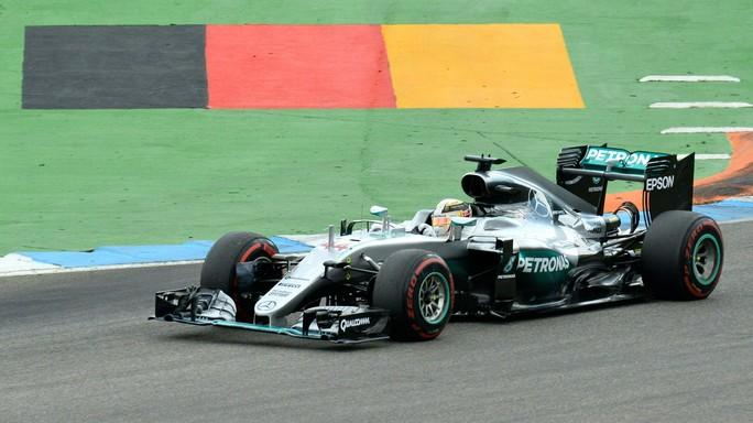 Gp Germania, Hamilton domina e va a +19 su Rosberg