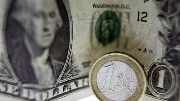 Dollaro Vs euro, come nasce lo scontro tra Trump e Draghi