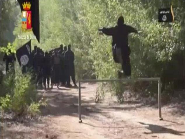 Arrestato siriano a Genova, voleva unirsi ad Al Quaeda -  VIDEO