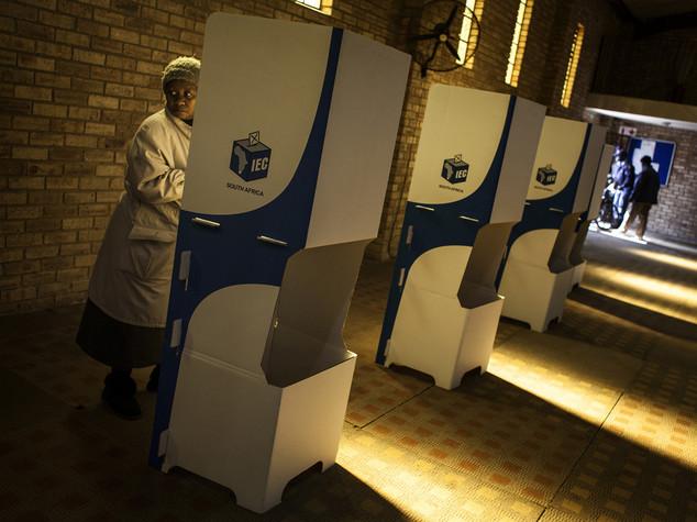 Sudafrica: 26 milioni a voto amministrativo, referendum su Zuma