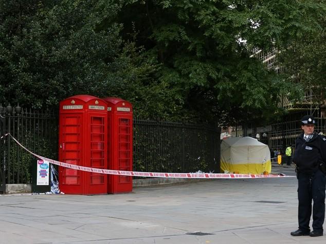 Psicosi a Londra, folle pugnala un'americana -  FOTO  e  VIDEO