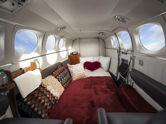 Sesso in aereo da sogno erotico a realtà