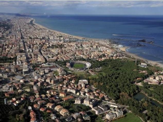 Mare, coste inquinate ogni 54 km