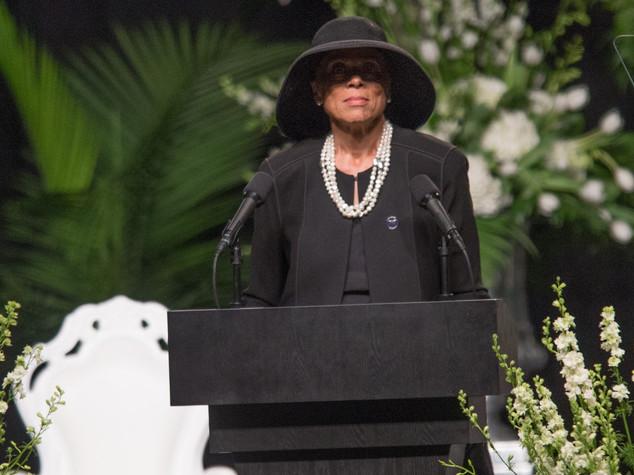 Ricerca: anche vedova Muhammad Ali con Bocelli a evento benefico