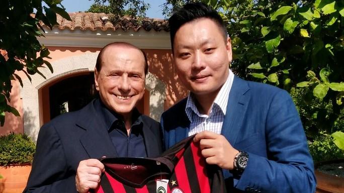 Berlusconi cede dopo 30 anni, ho venduto il Milan per passione -  Foto