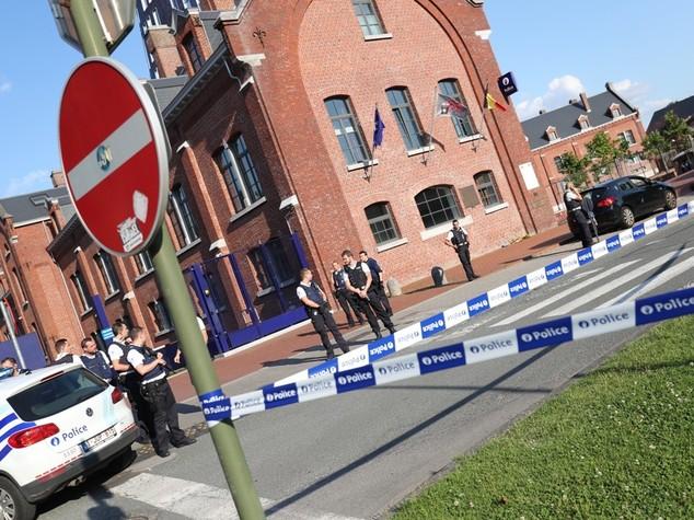 Due poliziotte ferite a colpi machete in Belgio