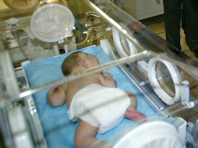 Strage di neonati a Baghdad, muoiono 11 prematuri in rogo ospedale