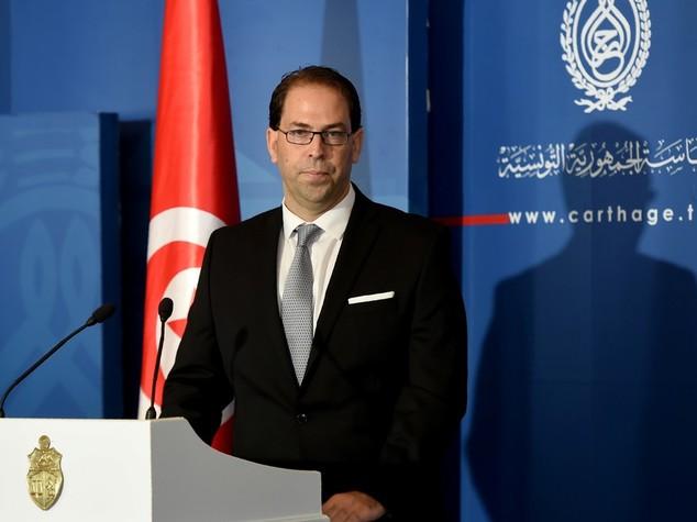 Tunisia: premier incaricato Chahed, fiducia entro agosto