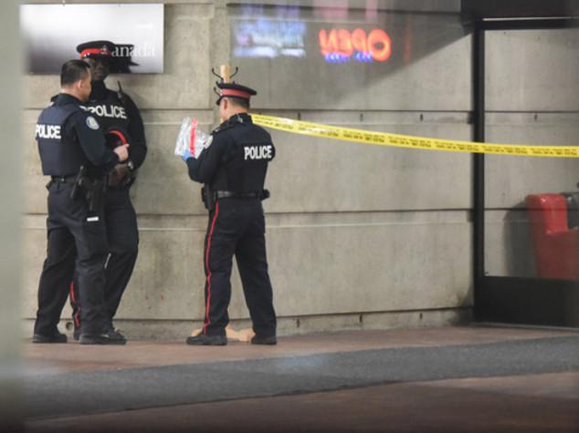 """In Canada 24enne ucciso in raid polizia, """"pianificava attacchi"""""""