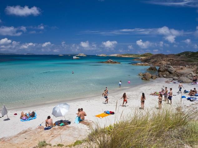 "Furti di sabbia in Sardegna, campagna Wwf ""Ladri da spiaggia"""