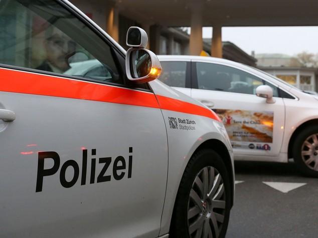 Uomo ferisce 6 persone su un treno in Svizzera