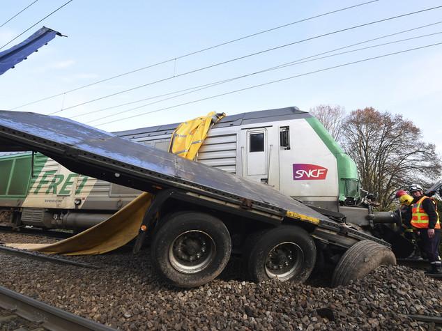Incidente ferroviario in Francia, una dozzina di feriti