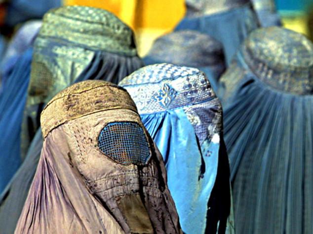 Nel 'Califfato' spunta divieto di burqa per motivi sicurezza