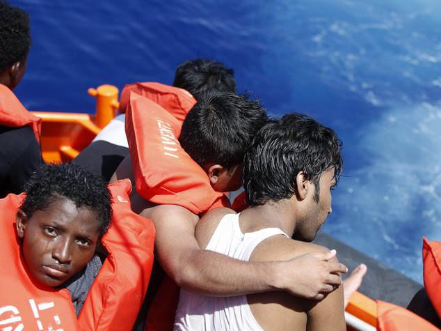 Nuovo naufragio in Libia,2 bimbe siriane tra 5 morti