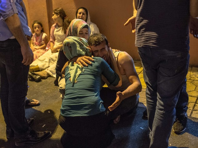 Baby-kamikaze fa strage in Turchia, 50 morti -  FOTO