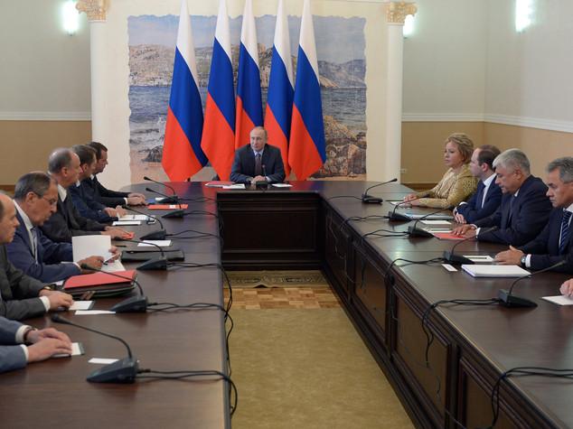 Russia: 'countdown' per voto Duma, campagna elettorale nel vivo