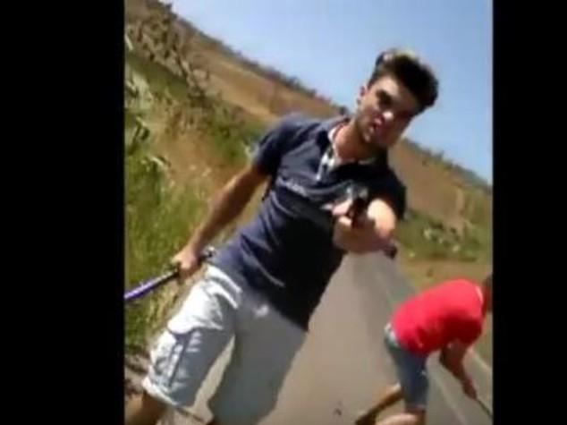 Tre minorenni egiziani aggrediti con una mazza Grave sedicenne
