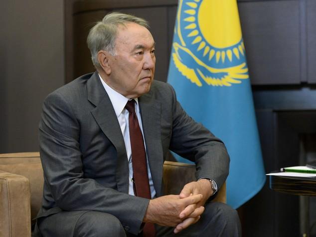 Kazakhstan: Nazarbayev in Poland for economic forum