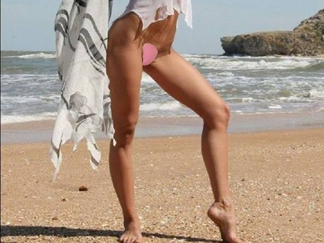 C-string in spiaggia, inglesi pazze per il perizoma senza lacci