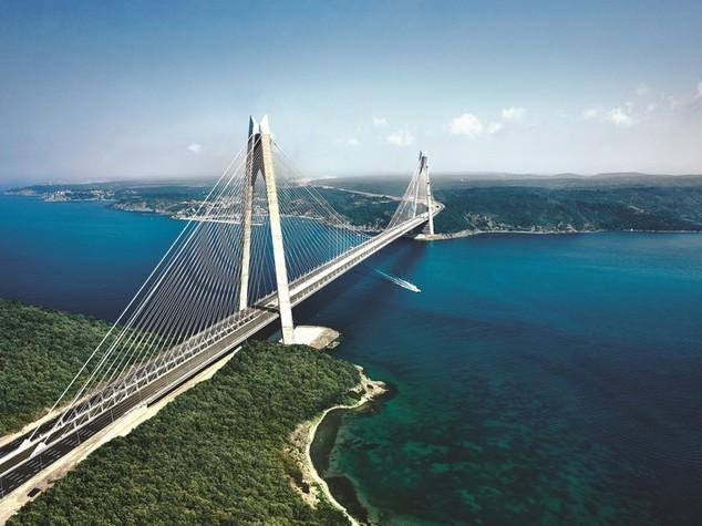 Bosforo, è italiano il ponte sospeso più largo del mondo