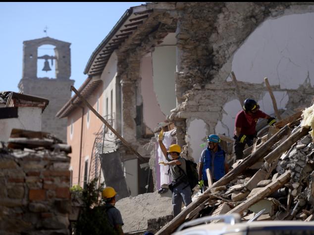 Sisma devasta il Centro Italia, almeno 159 morti