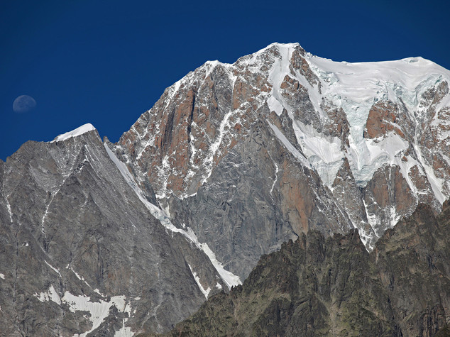 Monte Bianco, teleferica riavviata. Salvi i 16 passeggeri