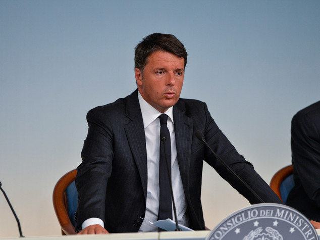 Renzi, 50 milioni e blocco tasse. E lancia 'Casa Italia'