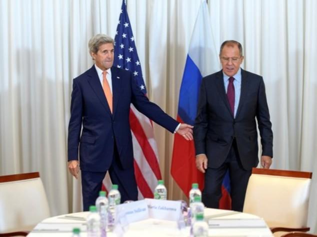 Siria, a Ginevra Kerry e Lavron trattano per la tregua