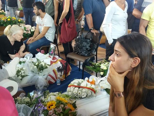 I Funerali di Stato le lacrime di Agnese Landini