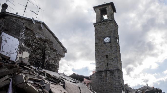 In Italia i terremoti fanno più danni, il FT spiega perché