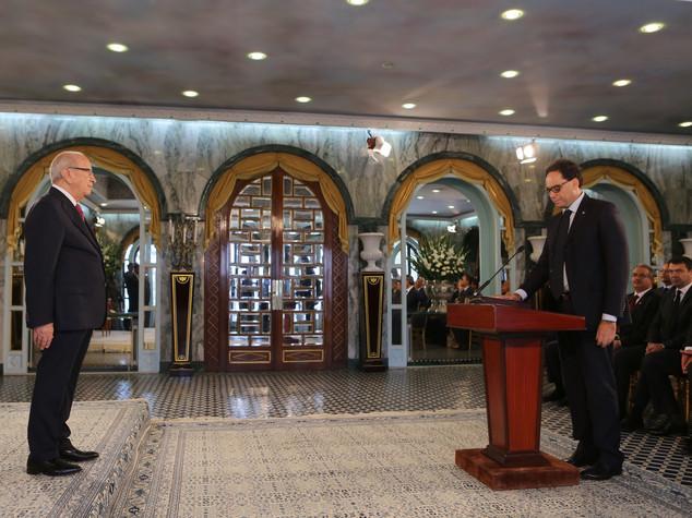 Tunisia: si insedia governo Chahed, focus su economia-sviluppo