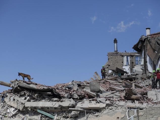 Nuove forti scosse, 3 vittime individuate sotto Hotel Roma