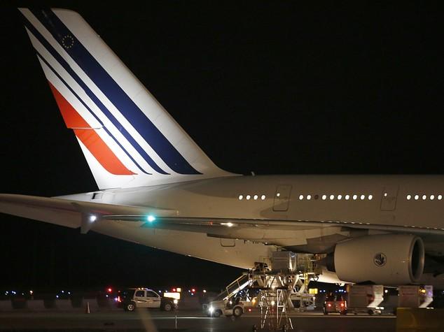 Topolino blocca volo dal Mali a Parigi