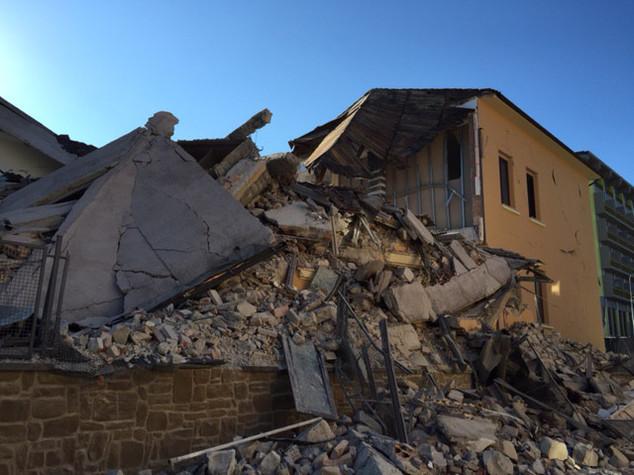 Terremoto: sms solidale, finora raccolti 13,3 milioni