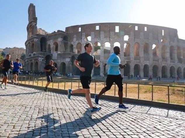 Zuckerberg a Roma, jogging in centro, udienza papale e lezione - Diretta