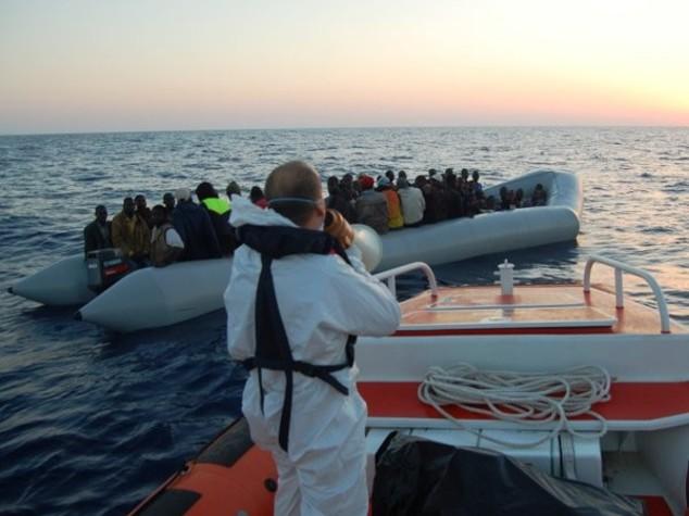 Migranti: arrivano a Trapani in 789 su nave Dattilo