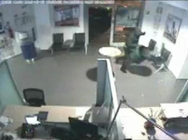 Assaltavano bancomat, sgomina banda a Bologna