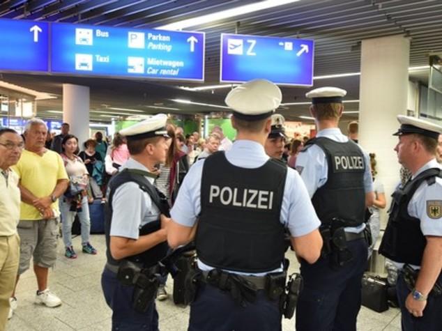 Allarme all'aeroporto di Francoforte, evacuati 2 terminal