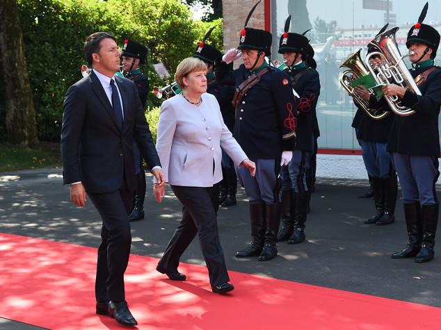 "Vertice Italia-Germania, Merkel ""aiuti per ricostruire scuola"""