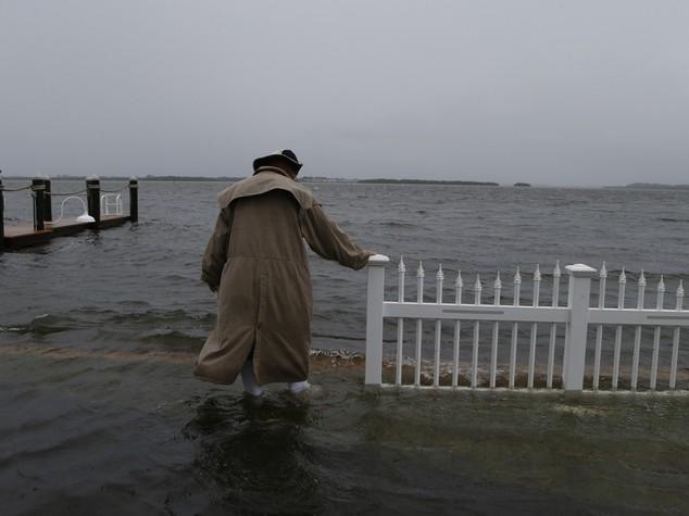 Uragano Matthew si abbatte sulle Bahamas, ora punta sulla Florida