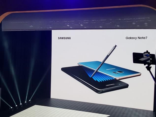 """Esplode la batteria"", Samsung sospende vendite Galaxy Note 7"