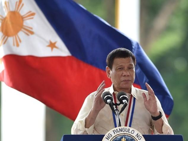 "Duterte choc, si paragona a Hitler ""massacrerei 3mln drogati"""