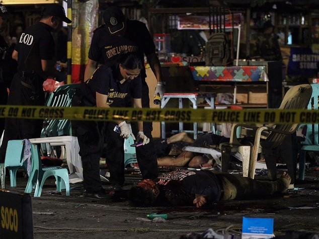 Filippine, strage nella città del presidente - VIDEO