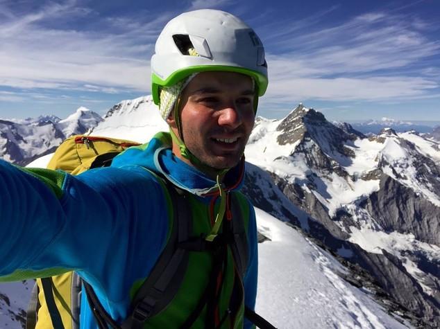 Precipitano per centinaia di metri Morti due giovani alpinisti