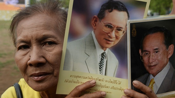 Thailandia, re Bhumibol ricoverato per una grave infezione