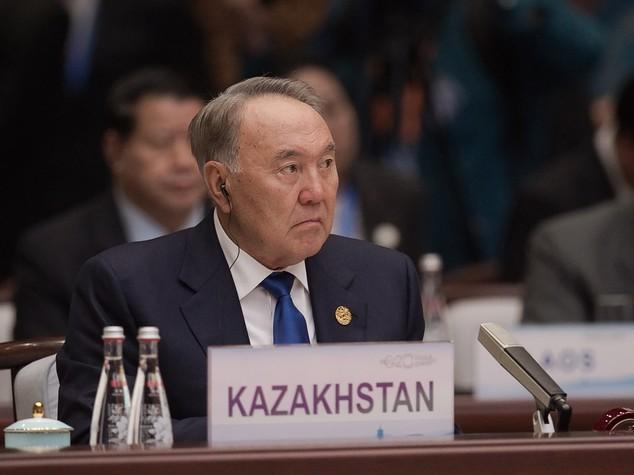 Kazakistan: Nazarbayev al G20, voci su rimpasto di Governo