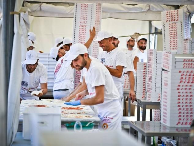 Puglia da Guinness,5.071 pizze in poco piu' di 10 ore